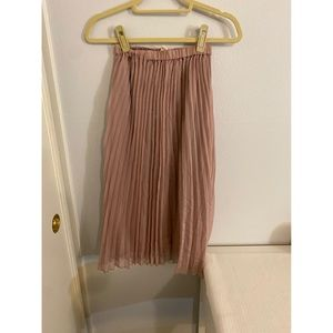 H&M Pink Pleated Skirt (size 4)